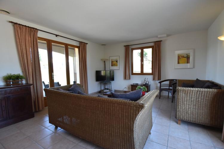 Vakantiehuis Le Jumeau - Frankrijk - Languedoc - 6 personen - woonkamer